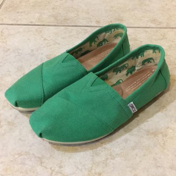 daf4a4721c3 Green Toms. M 5a7140cf5512fd80a94dc4ab
